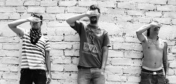 Los Bombillos Peludos, Bandas de Punk Rock And Roll de Cartago.