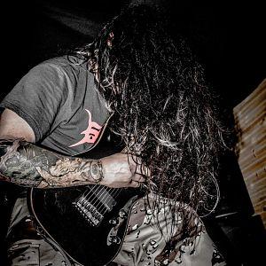 Brian Gonzalez - Kinguts, Músicos Metaleros y Rockeros