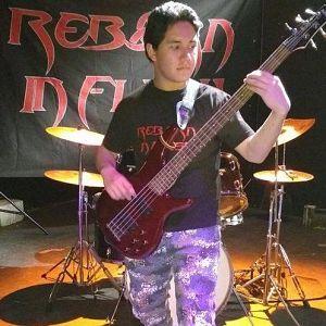 Guillermo Linares - Reborn In Flesh, Músicos Metaleros y Rockeros