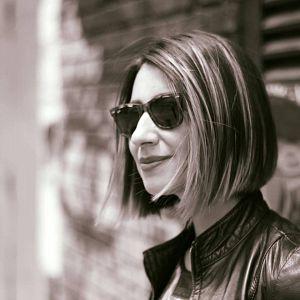 Jenny Tunjo - Magdalena Dressed In Black, Músicos Metaleros y Rockeros