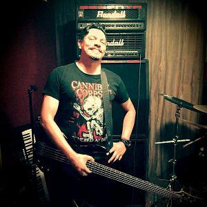 Victor Hoyos - Yogth Sothoth, Músicos Metaleros y Rockeros